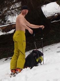 eine Skitour beginnt immer leicht fröstelnd!