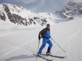 2-Abfahrt vom Oberalpstock über den Bächenfirn (2)